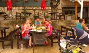 ..czasem posiłkowaliśmy się w knajpkach (tutaj w Mir na Kornatach)