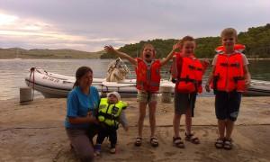 Hura! Wracamy na jacht super pontonem strażników parku narodowego (Mir, Kornaty)