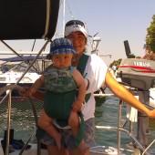 i woila :-) => nosidełko - kolejny obowiązkowy element wyposażenia niemowlaka na rejs morski
