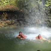 ..kąpiele w wodospadach na Dominice i St. Lucii