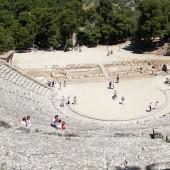 teatr antyczny Epidauros na 14 tyś. miejsc z niesamowitą akustyką