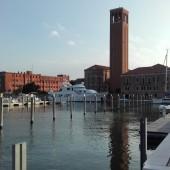 ..stanęliśmy w zupełnie nowej marinie w Wenecji - Sant Elena