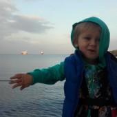 ... a rano Staśko zauważył statek, któremu zabrakło środka :-)