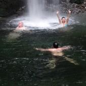 .. i kąpiele w wodospadach...