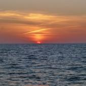 ..i piękne zachody słońca na morzu...