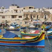 Marsaxlokk (Malta) - kolorowa wioska rybacka...