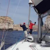 ...wpływamy do zatoczki Dwejra Bay (Gozo)