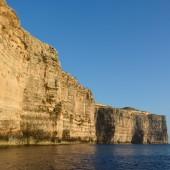 ...i klify przy Gozo...