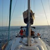 ...płyniemy do Dwejra Bay...