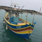 lokalne łodzie z Marsaxlokk
