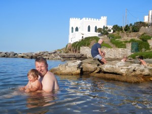 ..kąpaliśmy się też w gorących źródłach na Kithnos (Loutra)