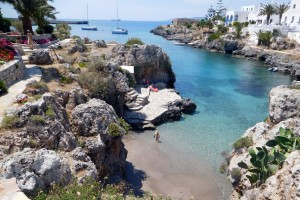 ...i kolejna piękna zatoczka na wyspie Kithera - Avelomena