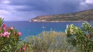 ...widok na zatokę Diros i naszego Denara...