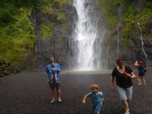 ...wodospady na Tahiti..