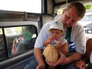 ..lokalne kokosy mniam mniam...