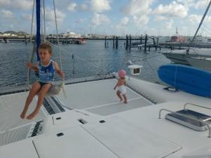 ..nawet huśtawkę jachtową używały z powodzeniem!